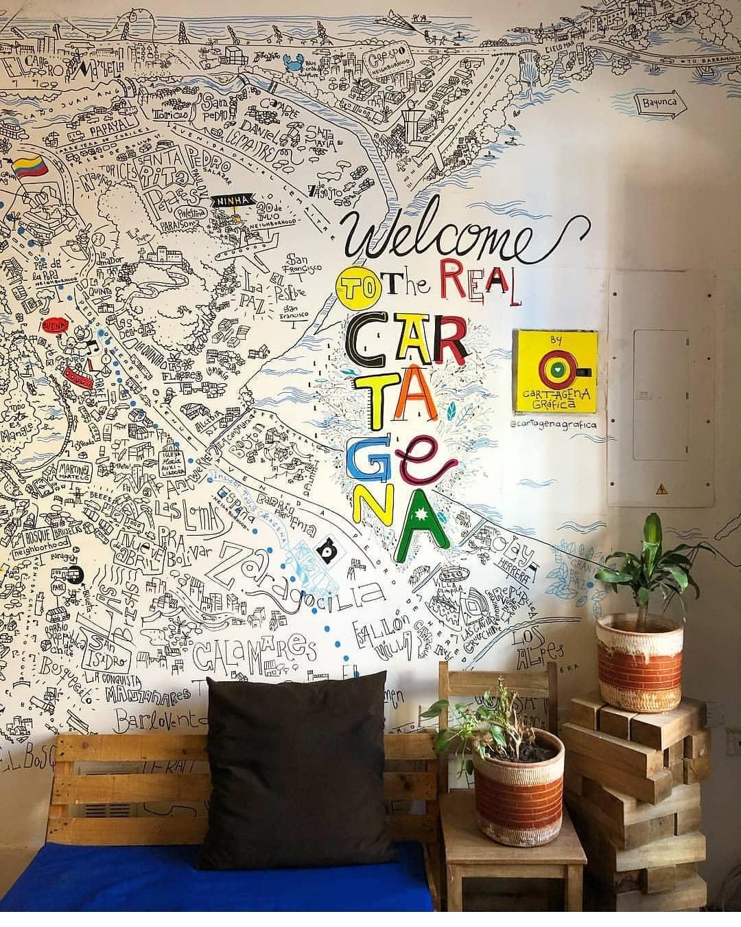 Karte von Cartagena an der Wand des Cafe Stepping Stone